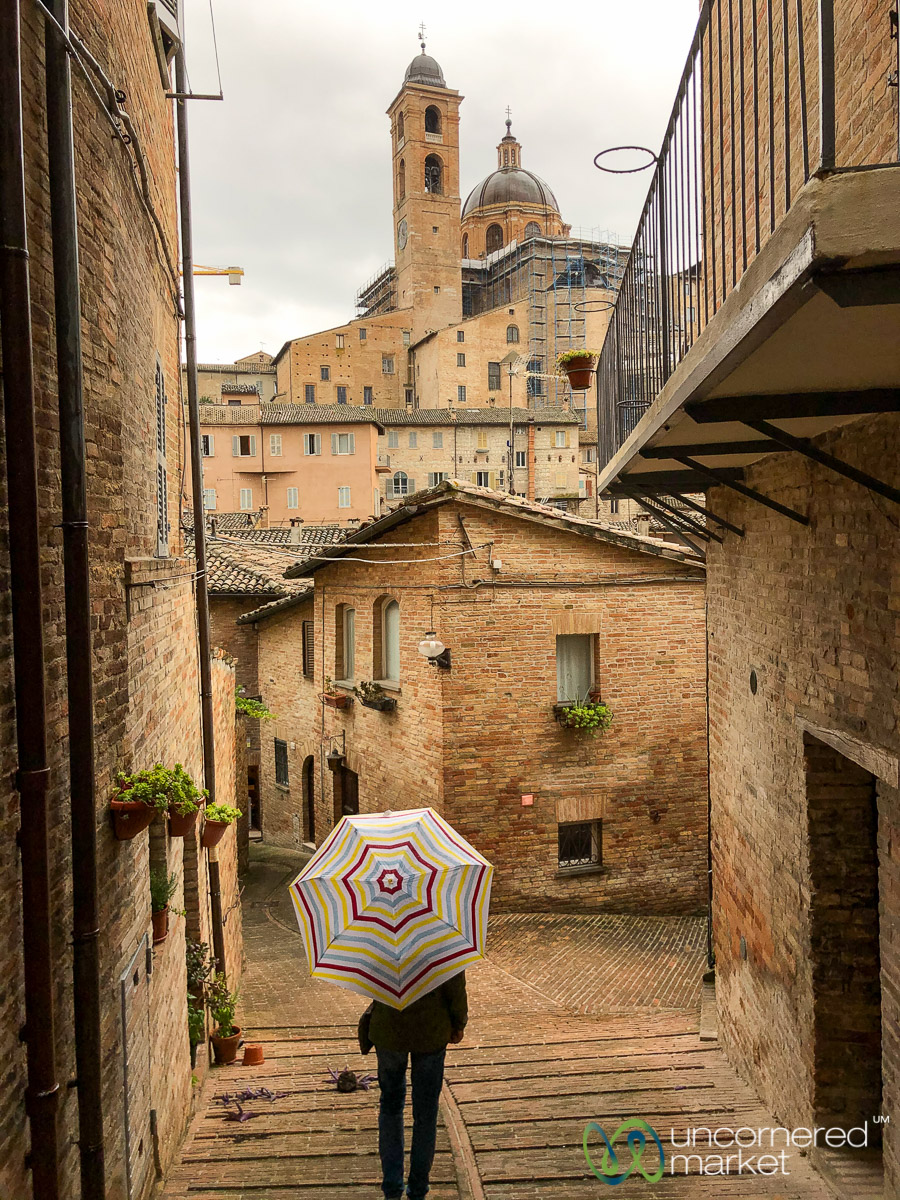 Travel Satisfaction - Urbino, Italy